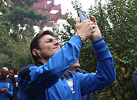 Argentine football star Javier Zanetti takes photos during his visit to the Yellow Crane Tower ahead of the 2014 China-Italy The Football Legends Challenge Match in Wuhan city, central China's Hubei province, 17 October 2014.<br /> <br /> Javier Zanetti led Inter Milan legends to visit the Yellow Crane Tower in Wuhan city, central Chinas Hubei province, on Friday (17 October 2014). The 2014 China-Italy The Football Legends Challenge Match will kick off on Sunday.