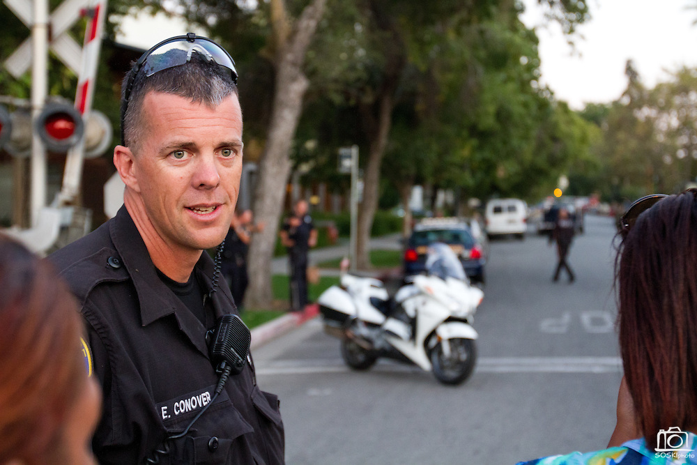San Jose Police investigate an explosive device found in a house of the 400 block of Sixth Street, San Jose, Calif., after serving a search warrant on Sept. 13, 2011.  Photo by Stan Olszewski.