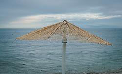 THEMENBILD - Sonnenschirm aus Schilfrohr, aufgenommen am 03. Juli 2020 in Novigrad, Kroatien // umbrellas made of shield cane, in Novigrad, Croatia on 2020/07/03. EXPA Pictures © 2020, PhotoCredit: EXPA/ Stefanie Oberhauser