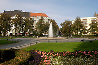 03 OCT 2003, BERLIN/GERMANY:<br /> Brunnen Victoria-Luise-Platz<br /> IMAGE: 20031003-01-022