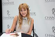 Bella Thorne at Chandler Fashion Center