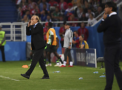 KALININGRAD, June 16, 2018  Nigeria's head coach Gernot Rohr (L) reacts during a group D match between Croatia and Nigeria at the 2018 FIFA World Cup in Kaliningrad, Russia, June 16, 2018. (Credit Image: © Chen Cheng/Xinhua via ZUMA Wire)