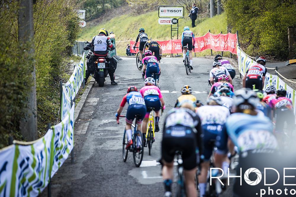chasing group up the Mur de Huy<br /> <br /> 24th la Flèche Wallonne Féminin 2021 (1.UWT)<br /> 1 Day Race: Huy – Huy 130,5km<br /> <br /> ©RhodePhoto