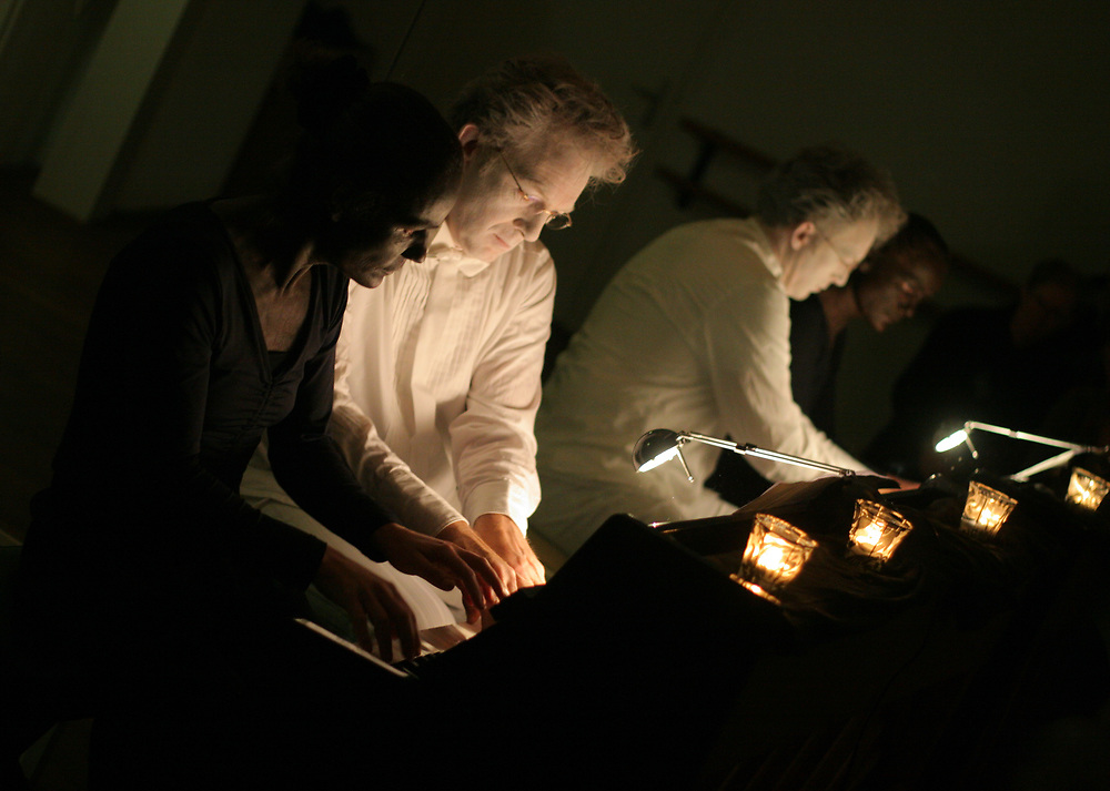 Theatre performance at the five-yearly anniversary of Studium Generale in 2006 // Reis naar het midden van de nacht, lustrum Studium Generale.
