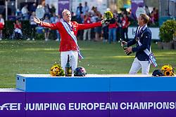 RIESENBECK - FEI Jumping European Championship Riesenbeck 2021<br /> <br /> THIEME Andre (GER), FREDRICSON Peder (SWE)<br /> Champagnerdusche<br /> Siegerehrung / Prize giving ceremony<br /> Individual Final over 2 Rounds<br /> Round 2<br /> <br /> Hörstel-Riesenbeck, Reitanlage Riesenbeck International<br /> 05. September 2021<br /> © www.sportfotos-lafrentz.de/Stefan Lafrentz