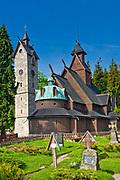 Figura na cmentarzu, świątynia Wang (Kościół Górski Naszego Zbawiciela) - ewangelicki kościół parafialny w Karpaczu w Karkonoszach