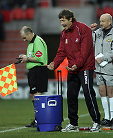 "Photo: Paul Thomas.<br /> Doncaster Rovers v Swansea City. Coca Cola League 1. 17/02/2007.<br /> <br /> ""Stand in"" manager of Swansea, Kevin Nugent tries to get his message across to his team."