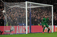 Football - 2018 / 2019 UEFA Europa League - Round of Sixteen, First Leg: Chelsea vs. Dynamo Kiev<br /> <br /> Willian of Chelsea leaves Dynamo goalkeeper, Denys Boyko stranded to score goal no 2 from a free kick, at Stamford Bridge.<br /> <br /> COLORSPORT/ANDREW COWIE