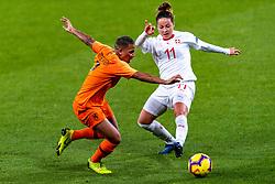 09-11-2018 NED: UEFA WC play-off final Netherlands - Switzerland, Utrecht<br /> European qualifying for the 2019 FIFA Women's World Cup - Shanice van de Sanden #22 of Netherlands, Vanessa Bernauer #11 of Switzerland