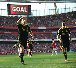 17.04.2011, Emirates Stadium, London, ENG, PL, Arsenal FC vs Liverpool FC, im Bild Liverpool's Dirk Kuyt celebrates scoring the a injury time equalising goal form the penalty spot against Arsenal during the Premiership match at the Emirates Stadium, EXPA Pictures © 2011, PhotoCredit: EXPA/ Propaganda/ D. Rawcliffe *** ATTENTION *** UK OUT!