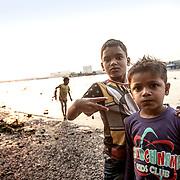 20190204 Calcutta, West Bengal Indien<br /> Babo Ghat Kolkata<br /> kvälls ritualer vid Ganges<br /> <br /> FOTO : JOACHIM NYWALL KOD 0708840825_1<br /> COPYRIGHT JOACHIM NYWALL<br /> <br /> ***BETALBILD***<br /> Redovisas till <br /> NYWALL MEDIA AB<br /> Strandgatan 30<br /> 461 31 Trollhättan<br /> Prislista enl BLF , om inget annat avtalas.