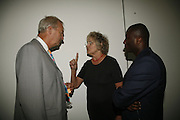 Peter Snow, Germaine Greer and EKOW ESHUN. Work by Mexican artist, Gabriel Orozco. Gallery opening & private view at new White Cube space, 25-26 Mason's Yard, London and afterwards at Claridges. London. 27 September 2006. <br /> -DO NOT ARCHIVE-© Copyright Photograph by Dafydd Jones 66 Stockwell Park Rd. London SW9 0DA Tel 020 7733 0108 www.dafjones.com