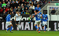 Fotball Tippeligaen Rosenborg - Molde<br /> 4 mai 2014<br /> Lerkendal Stadion, Trondheim<br /> <br /> <br /> <br /> Per Egil Flo har scoret 0-2 for Molde og kaster seg rundt halsen på Vegard Forren og jubler<br /> <br /> <br /> <br /> Foto : Arve Johnsen, Digitalsport