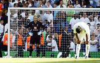 Photo: Olly Greenwood.<br />Tottenham Hotspur v Arsenal. The FA Barclays Premiership. 15/09/2007. Spurs Paul Robinson looks dected as Spurs concede again