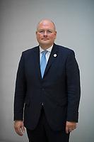 DEU, Deutschland, Germany, Berlin, 11.10.2018: Portrait von Arne Schönbohm, Präsident des Bundesamtes für Sicherheit in der Informationstechnik (BSI).