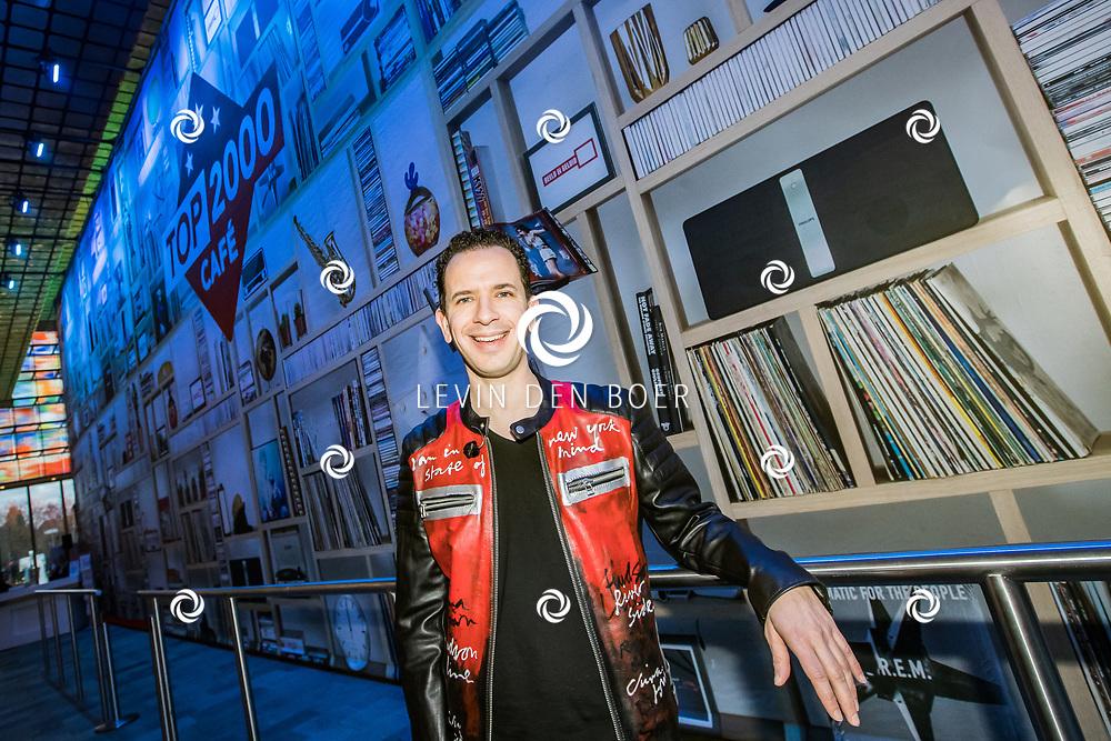 HILVERSUM - In Beeld en Geluid is de jaarlijkse TOP 2000 weer gestart door dj Bart Arens. Met zijn mash-up start hij de lijst der lijsten. FOTO LEVIN DEN BOER - LDBFOTO.NL