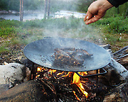 reinkoteletter, Lurudalen..dig Reindeer can be prepared and served in many ways. Traditionally the sami people use every part of the animal, and the heart, tongue and marrowbones are delicatesses.