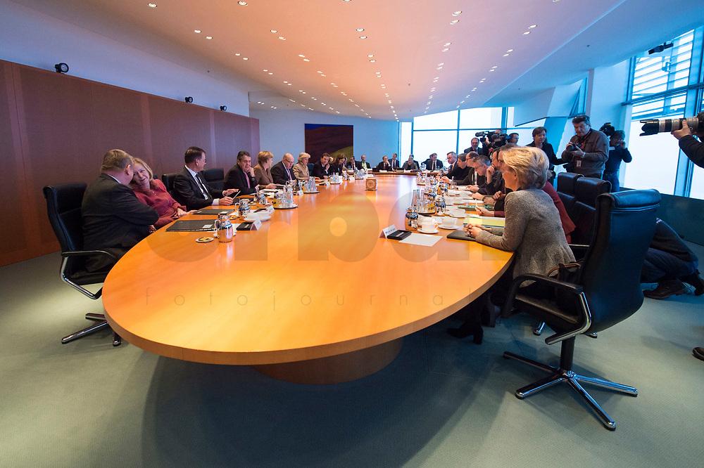 10 JAN 2018, BERLIN/GERMANY:<br /> Uebersicht vor Beginn der 168. Kabinettsitzung des Kabinetts Angela Merkel, Bundeskanzleramt<br /> IMAGE: 20180110-01-020<br /> KEYWORDS: Kabinett, Sitzung