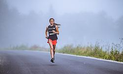 THEMENBILD - ein Maedchen laeuft waehrend ihres morgendlichen Trainings im Nebel, aufgenommen am 06. September 2018 in Kaprun, Österreich // a girl runs in the fog during her morning workout, Kaprun, Austria on 2018/09/06. EXPA Pictures © 2018, PhotoCredit: EXPA/ JFK
