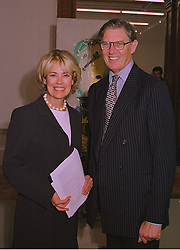 MR & MRS WILLIAM CASH he is the MP  at an exhibition in London on 15th September 1998.MKB 13