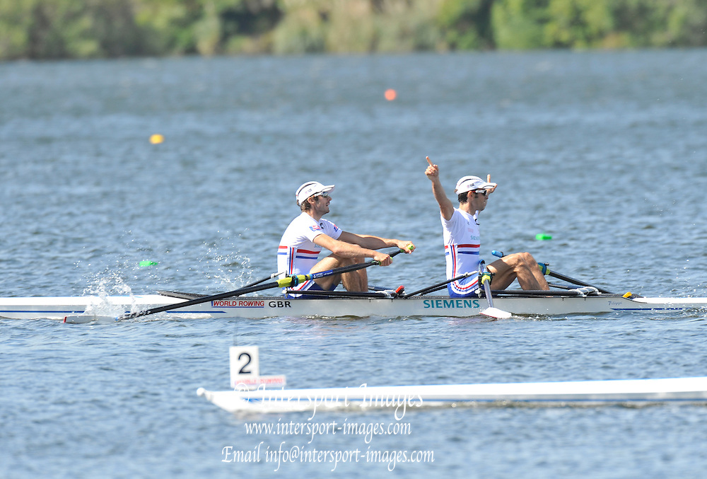 Hamilton, NEW ZEALAND.  GBR LM2X Bow. Zac PURCHASE and Mark HNTER. winning the A final of the men's lightweight double at the 2010 World Rowing Championships - Lake Karapiro. Friday 05.11.2010.  [Mandatory Credit Peter Spurrier:Intersport Images].