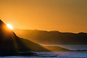 Sunflare in the ocean was taken at Mulevika, Kvalsvik, Norway today with 400 mm. | Solbrytning i havet vart tatt i dag i Mulevika, Kvalsvik, Norge med en brennvidde på 400 mm.
