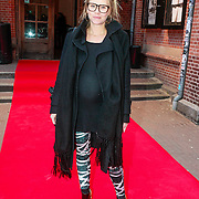 NLD/Amsterdam/20130408 - Uitreiking Mama of the Year award 2013, zwangere Liesbeth Kamerling
