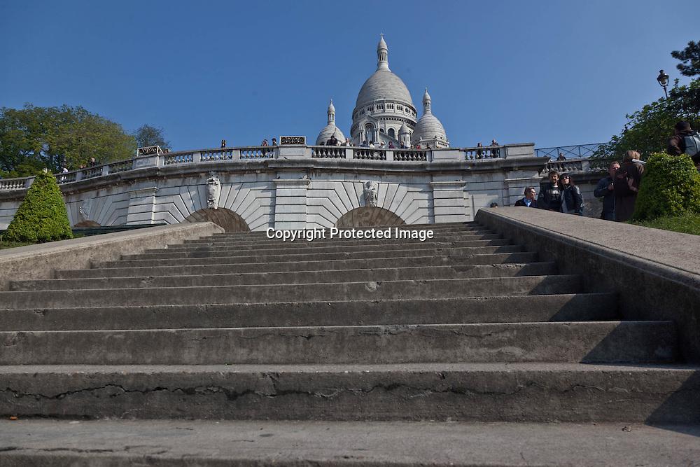 = Sacre coeur basililica on Montmartre Hill Paris France  /// la basilique du sacre coeur sur la colline de montmartre +