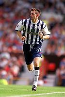 Fotball. Premier League. 17.08.2002.<br /> Manchester United v West Bromwich.<br /> Scott Dobie, WBA.<br /> Foto: Andrew Cowie, Digitalsport