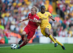15.08.2010, Anfield, Liverpool, ENG, PL, FC Liverpool vs FC Arsenal, im Bild Liverpool's Dirk Kuyt and Arsenal's Abou Diaby during the Premiership match at Anfield. l. EXPA Pictures © 2010, PhotoCredit: EXPA/ Propaganda/ David Rawcliffe / SPORTIDA PHOTO AGENCY