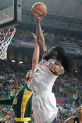 11.09.2014, City Arena, Barcelona, ESP, FIBA WM, USA vs Litauen, Halbfinale, im Bild USA's Kenneth Faried (r) and Lithuania's Donatas Motiejunas // during FIBA Basketball World Cup Spain 2014 semi-final match between United States and Lithuania at the City Arena in Barcelona, Spain on 2014/09/11. EXPA Pictures © 2014, PhotoCredit: EXPA/ Alterphotos/ Acero<br /> <br /> *****ATTENTION - OUT of ESP, SUI*****