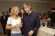 Gabby roslin and Sir Bob Geldof. An evening at Sanderson in aid of Sargent Cancer Care for children. Sanderson Hotel. 28 May 2002. © Copyright Photograph by Dafydd Jones 66 Stockwell Park Rd. London SW9 0DA Tel 020 7733 0108 www.dafjones.com