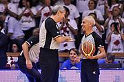 DESCRIZIONE : Campionato 2014/15 Serie A Beko Grissin Bon Reggio Emilia - Dinamo Banco di Sardegna Sassari Finale Playoff Gara7 Scudetto<br /> GIOCATORE : Luigi LaMonica Roberto Chiari<br /> CATEGORIA : Fair Play Arbitro Referee<br /> SQUADRA : AIAP<br /> EVENTO : LegaBasket Serie A Beko 2014/2015<br /> GARA : Grissin Bon Reggio Emilia - Dinamo Banco di Sardegna Sassari Finale Playoff Gara7 Scudetto<br /> DATA : 26/06/2015<br /> SPORT : Pallacanestro <br /> AUTORE : Agenzia Ciamillo-Castoria/L.Canu