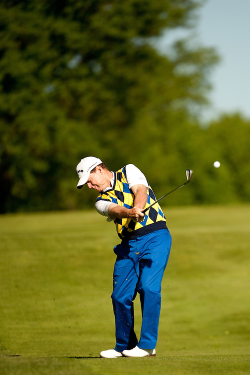 Tom Watson. 2009 Senior PGA Championship, Round 1. Photographed at Canterbury Golf Club in Beachwood, Ohio on Thursday, May 21 2009. Photograph © 2009 Darren Carroll