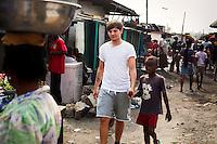 Louis Tomlinson in Agbogbloshie slum, Accra