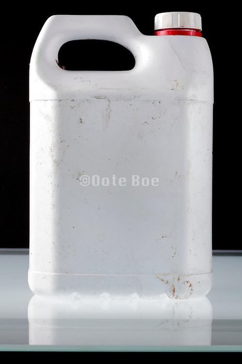 plastic liquid canister
