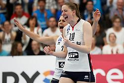 20190424 NED: Sliedrecht Sport - VC Sneek: Sliedrecht<br /> Esther van Berkel (7) of Sliedrecht Sport, Carlijn Ghijssen - Jans (10) of Sliedrecht Sport <br /> ©2019-FotoHoogendoorn.nl / Pim Waslander