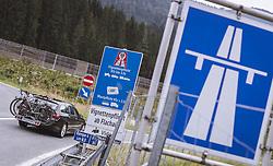 THEMENBILD - Autobahnschild und Vignetten Pflicht Schild bei einer Autobahnauffahrt auf der A10 Tauernautobahn, aufgenommen am 27. Juli 2019 in Flachau, Österreich // Motorway and vignette Sign at a motorway access on the A10 Tauernautobahn, Flachau, Austria on 2019/07/27. EXPA Pictures © 2019, PhotoCredit: EXPA/ JFK