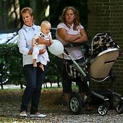 NLD/Nuenen/20080809 - Huwelijk Tanja Jess en Charly Luske, oppas met zoon Bobby