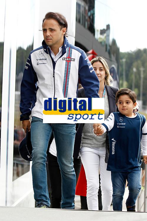 MASSA felipe (bra) and wife rafaela and son Felipinho williams f1 mercedes fw37 ambiance portrait during the 2015 Formula One World Championship, Grand Prix of Austria from june 18 to 22nd 2015,  in Spielberg, Austria. Photo DPPI