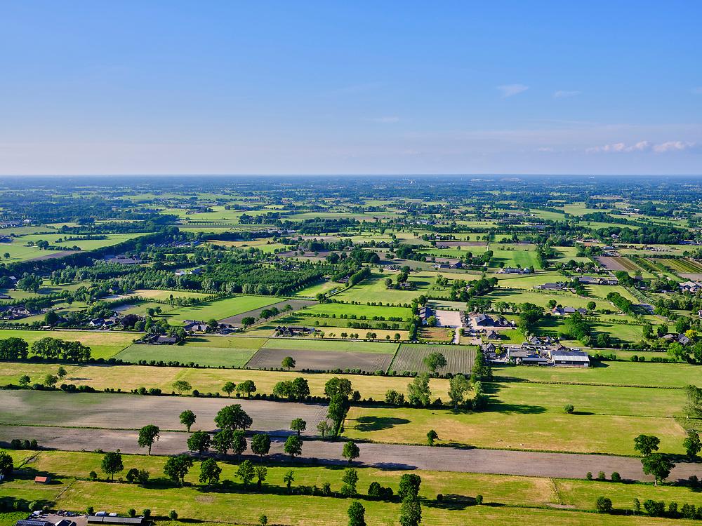 Nederland, Gelderland, Gemeente Ede, 14–05-2020; zicht op de Gelderse Vallei met Ederveen in de voorgrond. Regio Foodvalley.<br /> <br /> luchtfoto (toeslag op standaard tarieven);<br /> aerial photo (additional fee required)<br /> copyright © 2020 foto/photo Siebe Swart