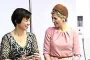 Koningin Máxima opent drie innovatieve operatiekamers in het Medical Innovation & Technology expert Center (MITeC) van het Radboudumc in Nijmegen.<br />  <br /> De nieuwe OK's zijn een voorbeeld van duurzame innovaties in de zorg. Met de MITeC OK's verwacht het Radboudumc in de nabije toekomst in staat te zijn om bijvoorbeeld kanker binnen één dag te behandelen. <br /> <br /> Queen Máxima opens three innovative operating rooms in the Medical Innovation & Technology Expert Center (MITEC) of the Radboud University Nijmegen Medical Centre in Nijmegen.<br />  <br /> The new theaters are an example of sustainable innovations in health care. With the MiTeC OK's expects the Radboud University Nijmegen Medical Centre in the near future to be able to treat cancer, for example, within one day.