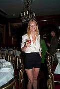 GWYNETH PALTROW, Dinner hosted by Elizabeth Saltzman for Mario Testino and Kate Moss. Mark's Club. London. 5 June 2010. -DO NOT ARCHIVE-© Copyright Photograph by Dafydd Jones. 248 Clapham Rd. London SW9 0PZ. Tel 0207 820 0771. www.dafjones.com.