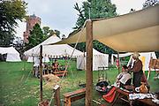 Nederland, Nijmegen, 28-8-2011Optocht van middeleeuwsw figuren tijdens het Geboeders van Limburg festival.In de late Middeleeuwen (1350-1450) was Nijmegen met de Valkenhofburcht de belangrijkste stad in hertogdom Gelre. De drie rond 1380 in Nijmegen geboren gebroeders van Limburg waren beroemde tekenaars en kopiisten die vooral aan het franse hof furore maakten. Met het Gebroeders van Limburg festival eert de stad hen. Foto: Flip Franssen/Hollandse Hoogte