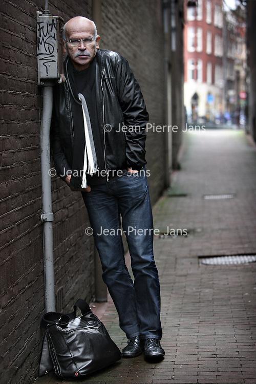 Nederland, Amsterdam , 25 februari 2010..Gunter Wallraff (Burscheid bij Keulen, 1 oktober 1942) is een Duits schrijver en undercoverjournalist..Foto:Jean-Pierre Jans