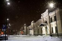Bialystok, 16.01.2021. Gwaltowny atak zimy, w ciagu paru godzin przybylo kilkanascie centymetrow sniegu N/z dworzec PKP Bialystok fot Michal Kosc / AGENCJA WSCHOD