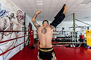 Vicenza, Palestra Indipindiente , allenamenti di Muay Thai, l'istruttore Enrico Chiffi