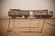 Avril 2013. Tunisie. Sud-est. Gouvernorat de Médenine. Reportage : Tunisie : Trafics et mobilité à la frontière libyenne. Camp de réfugié de Choucha.