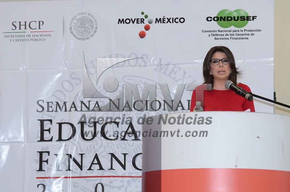 Metepec, México.- Silvia Fernández González, delegada de CONDUSEF, durante la ceremonia de inauguración de la Semana Nacional de Educación Financiera, en la Universidad del Valle de México campus Metepec. Agencia MVT / José Hernández
