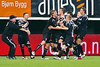 Fotball<br /> Norge<br /> 07.07.2012<br /> Foto: Tor Farstad, Digitalsport<br /> <br /> Tippeligaen<br /> Tromsø v Sogndal<br /> <br /> Sogndal jubler for Gustav Valsvik sin scoring tre minutter på overtid